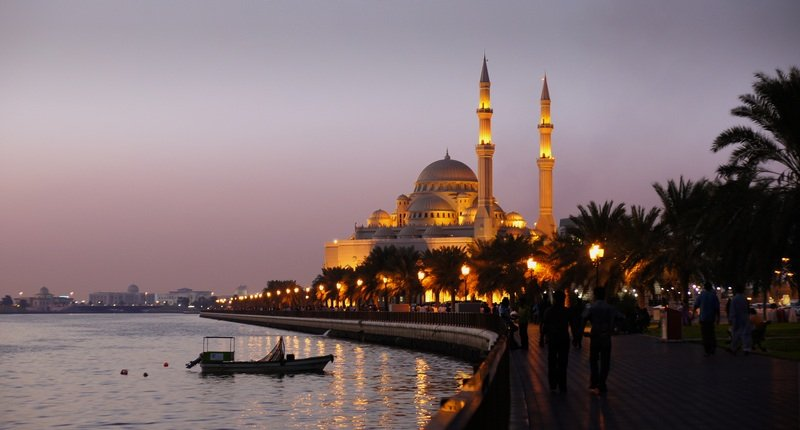 Evening view of sharjah lake and alnoor mosque by skarrufa on dreamstime.com